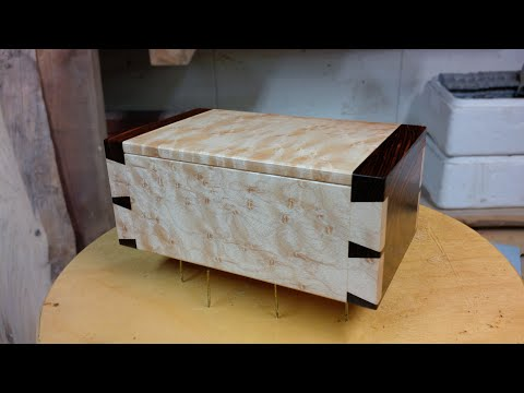 Rob Cosman's Wood Hinge for boxes