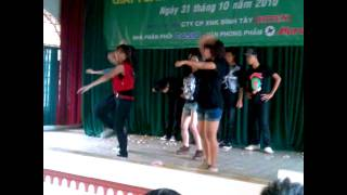 Hip hop dance B13
