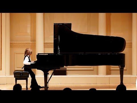 Stelios Kerasidis (6) @ Carnegie Hall plays Chopin valse la minor