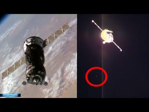Breaking News! ALIEN UFOs SWARM Soyuz - NASA Records UFOs HD Then Cuts Feed 10/21/2016