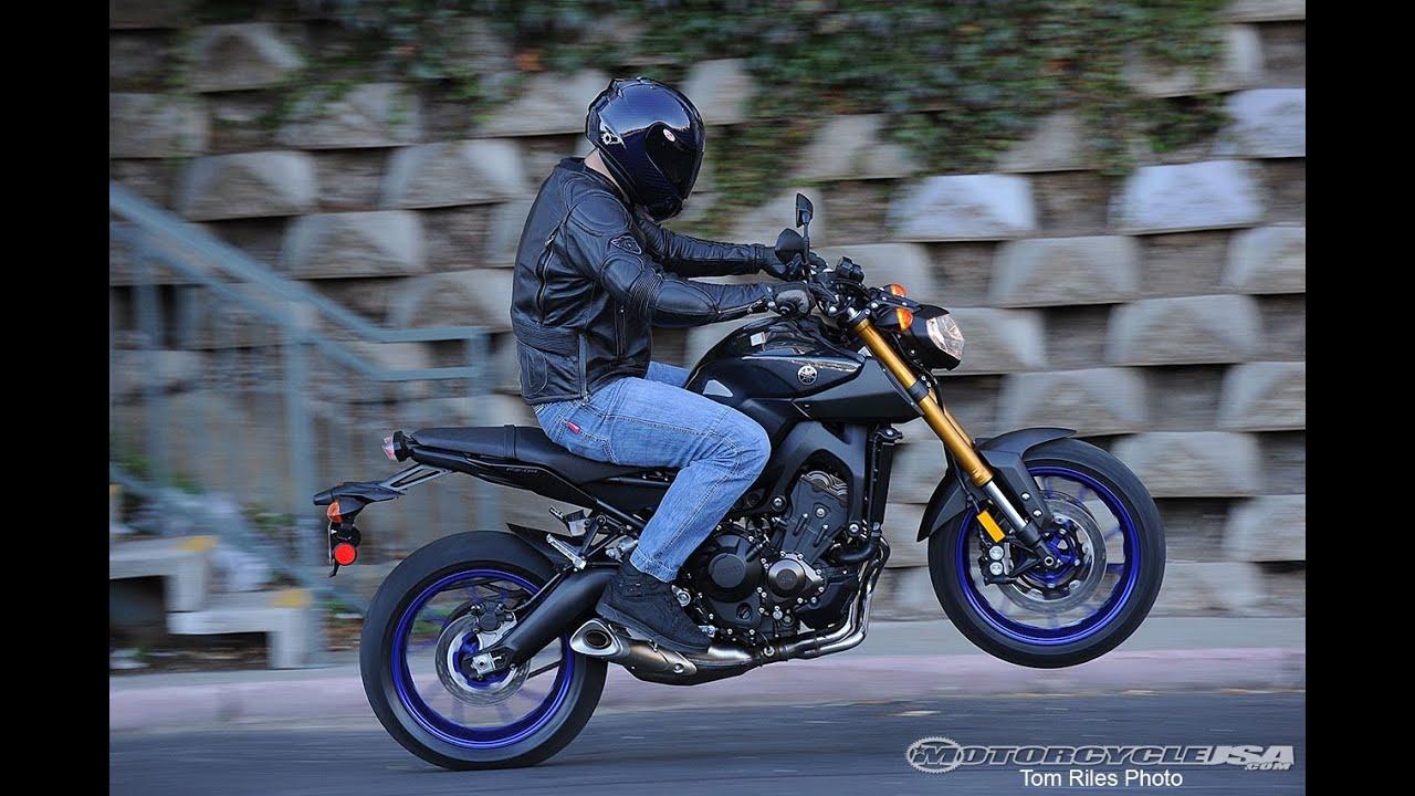 2014 Yamaha FZ-09 First Ride - MotoUSA - YouTube