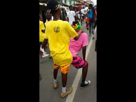 Travel in Ghana, crazy street party !!