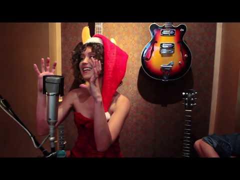 Christmas Song! Elizaveta sings Marshmallow World