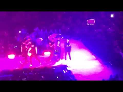 Dangerous Woman Tour Verizon Center 2-27-17 Full Concert Washington DC