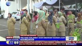 Terlambat, PNS Berdiri Depan Gerbang Balaikota Bogor