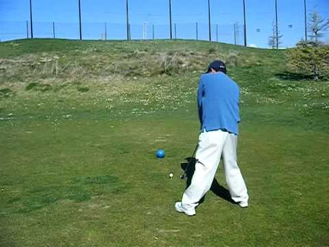 arab playing golf