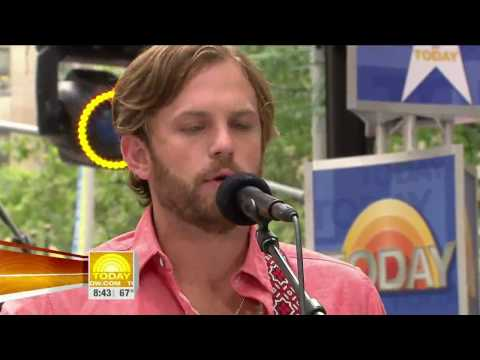 Kings of Leon - Use Somebody (Live The Today Show 2009) (High Quality video) (HD)