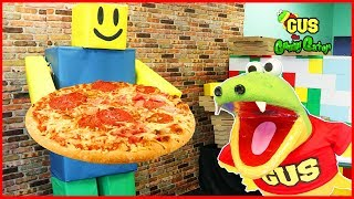 ROBLOX Work at a pizza place in real life! Let's Play Roblox