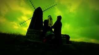Смотреть клип Танцы Минус - Нахвамдис