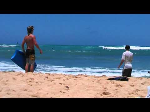 Huge waves in Hawaii on June 5, 2013