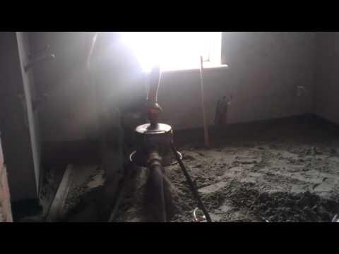 видео: Стяжка пола машинная цементно-песчаная полусухая 067 4421101 РО-КОС