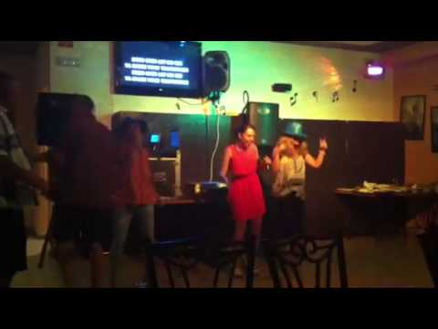 The Mopettes do Karaoke, Shake a Tail Feather