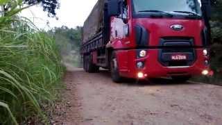 Saindo #1 Ford Cargo 2429 Azevedo Transporte Saindo de Viagem Carregado de Compressado 21/04/14