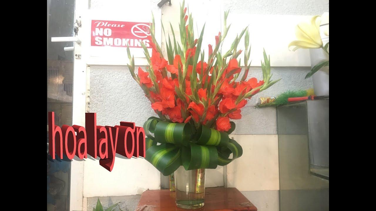 Cách Cắm Bình Hoa Lay Ơn Để Bàn Thờ Ngày Tết
