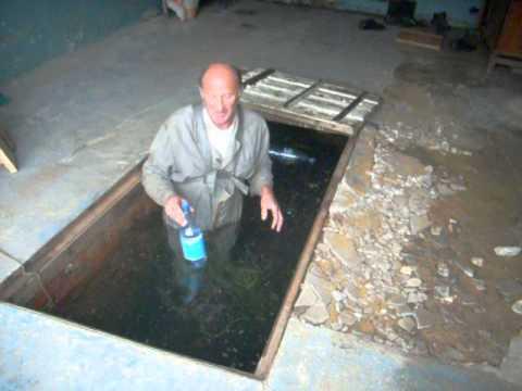 Как сделать смотровую яму в гараже от грунтовых вод 84
