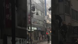 2017.10.4 日本橋室町 雑記ビル火事 ハシゴにて救出.