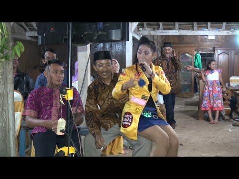 Memori Berkasih _ Aksi Kocak Norma Silvia _ New MEDHAZ Live Tawang