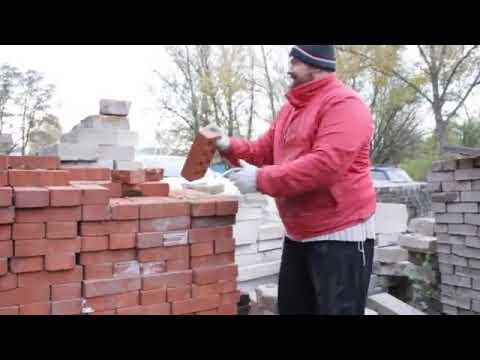 Rose - Man Breaks Bricks with His Hand!