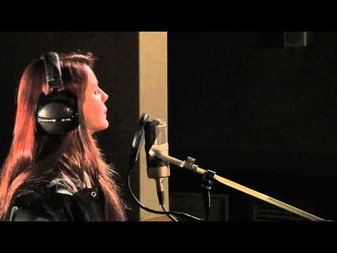 Lana Del Rey - Goodbye Kiss In The Radio 1 Live Lounge