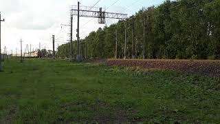 (Взрыв) из Прошлого Зеленый Молдовский Ретро Поезд в СПб снято 07.07.2019