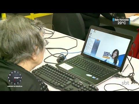 Pesquisa mostra que usar o computador traz benefícios para idosos | SBT Notícias (17/10/17)
