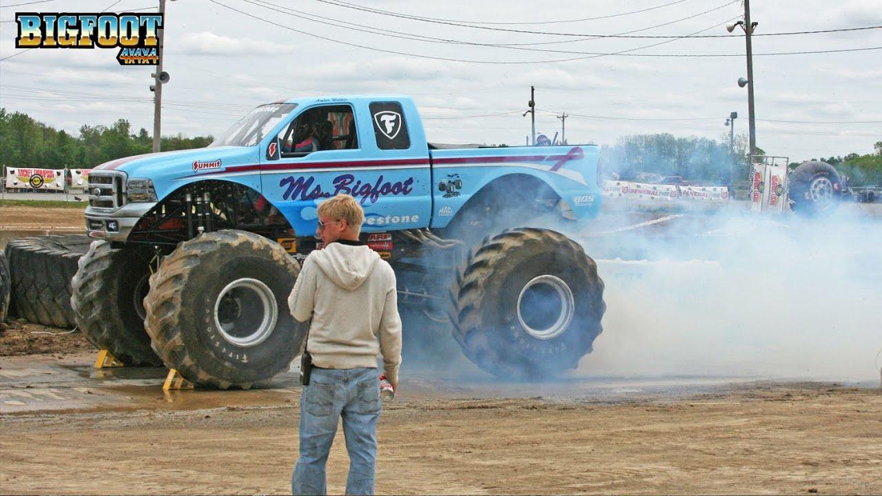 Ms. BIGFOOT Burnout - Lima, OH 2010 - BIGFOOT Monster Truck