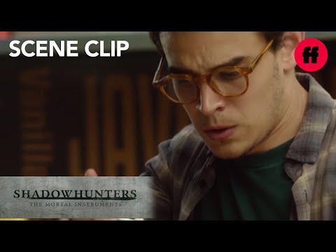 shadowhunters-|-season-1,-episode-7:-simon-vs.-vampires-|-freeform
