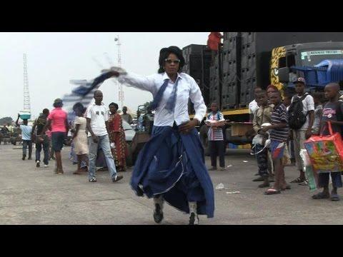 RDC: Les Sapeuses, une minorité dans un monde d'hommes