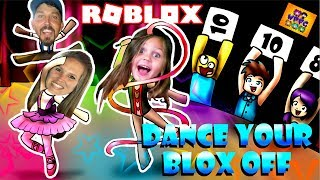 ROBLOX DANCE YOUR BLOX OFF FAMILY COMPETITION WITH LYLA! SHE WANTS TO GET OFF STAGE, BUT SHE WINS??