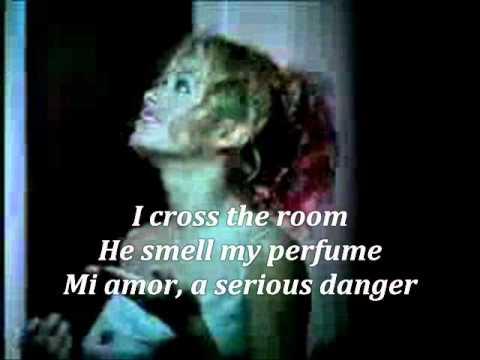 Paulina Rubio Casanova Lyrics