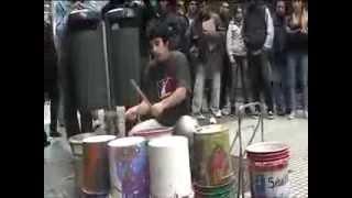 BATERISTA CALLEJERO  (electronica con tarros)