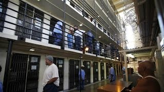 "US Takes ""First Step"" on Prison Crisis With Release of Drug Offenders"