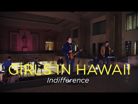"""Girls in Hawaii - Indifference - Live Session @ Brussels Central Station - by """"Bruxelles Ma Belle"""""""