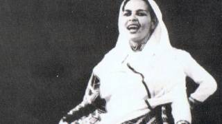 Asnakech Worku (1926 - 2004 E.C) - Queen of Kirar (Video mix of her photos and lyrics)