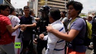Críticos y defensores de Álvaro Uribe se enfrentaron en marchas en Cali y Bogotá, Colombia