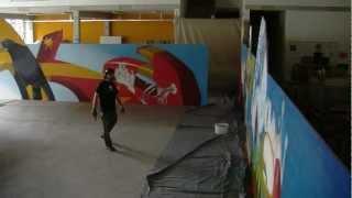 Graffiti Künstler Loomit gestaltet Bauzaun in Kaufbeuren