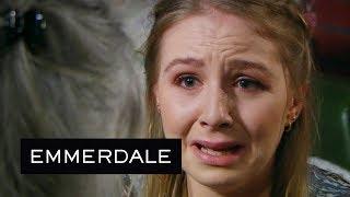 Emmerdale - Belle Discovers Lisa Has Died