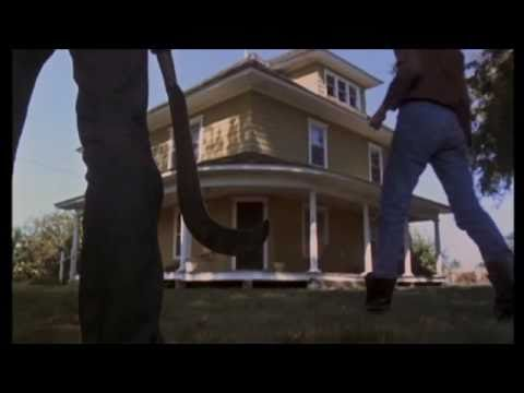 Children Of The Corn (1984) - Official Trailer