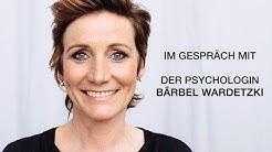 """""""Wertvoll"""" – Moderatorin Angela Elis im Gespräch wie wir Veränderungen mutig begegnen"""