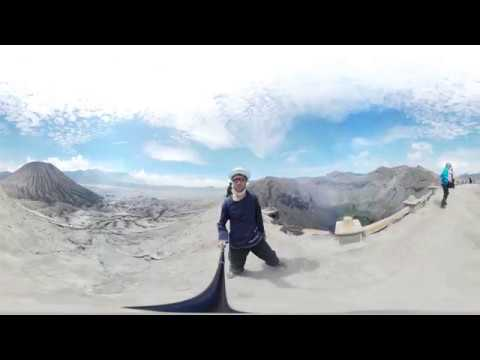 Walk on the crater of volcano Bromo  Indonesia  VR 360°