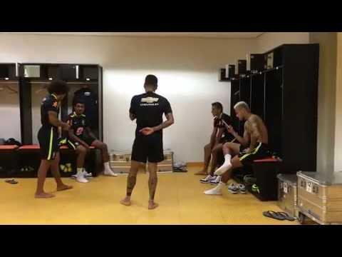 Neymar And Teammates Do The Running Man Challenge || 9/3/16
