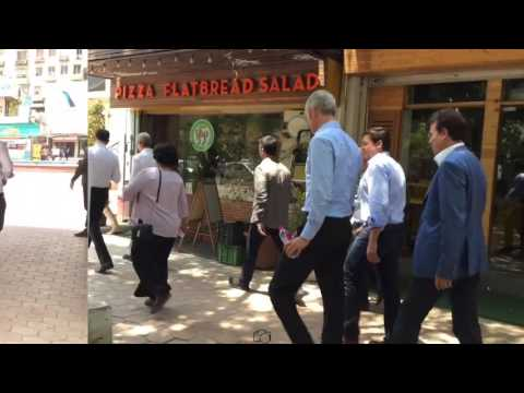 Tim Cook - Visit to Apple Store in Gurgaon (New Delhi, India) (EXCLUSIVE FOOTAGE)