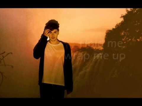 Aiden Grimshaw - Breathe Me lyrics