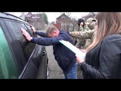 Оперативные кадры задержания зам начальника УГИБДД по Ниж обл полковника полиции Сатова А.А.