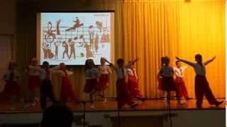2-М український народний танець