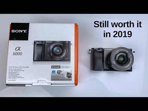Sony A6000 Unboxing & First Impression