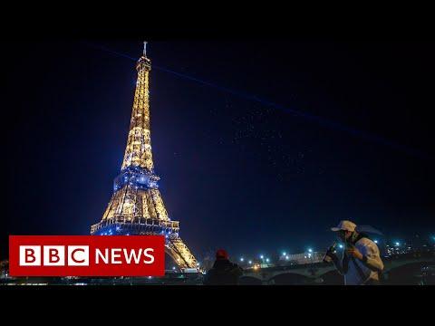 How 2021 was celebrated around the world - BBC News