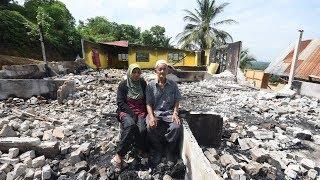 Family's belongings, duit raya up in smoke in morning blaze