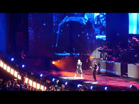 Jay Z feat Eminem - Renegade LIVE @ Home & Home Concert Yankee Stadium
