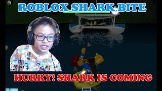 ROBLOX SHARK BITE: THIS SHARK IS SO STRONG THAT SMASHED ALL OF US. LET'S PLAY WITH BEN